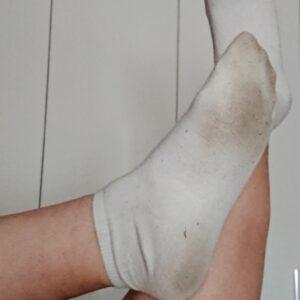 Calcetines blancos usados